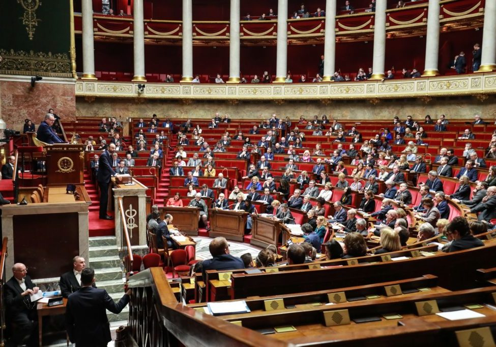 7800264202_l-assemblee-nationale-en-mars-2020